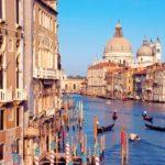 Grande Canal , em Veneza , Itália